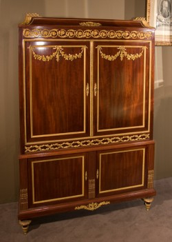 Louis XVI Cabinet